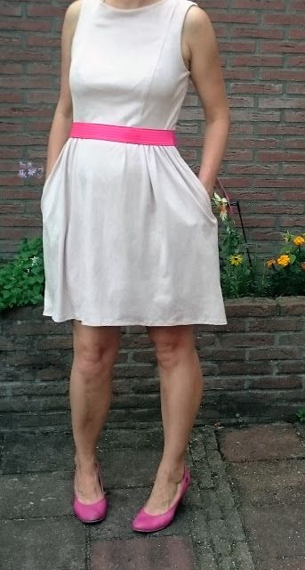 Pretty in pink,   kwiksew 3929 dress by moredresses4me.blogspot.com