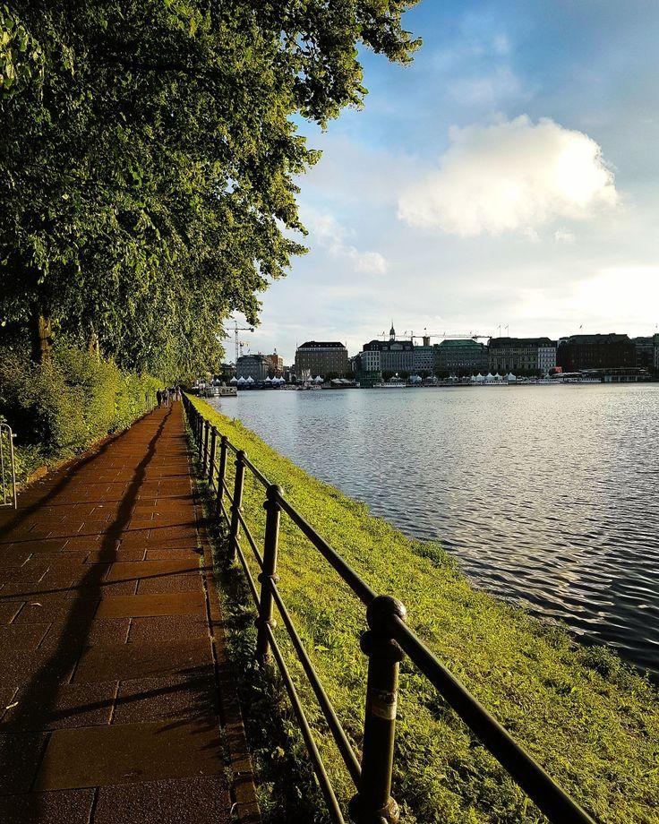 Ele apareceu e o dia ficou bem melhor! #hamburgo #visithamburg #germany #deutchland #wanderlust #travel #viagem #viagens #viajante #viajar #nadia #algunssonhosvividos #love #ferias #vacations #asfotosdanadia #hamburg