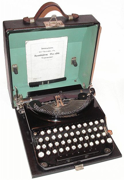 Remington Portable No 3 (1928) - the kind Uncle Kurt might have used.