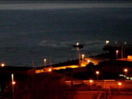 Un vídeo muestra la intervención de la Guardia Civil contra los inmigrantes en aguas de Ceuta El cuerpo policial niega que los disparos de balas de goma fueran dirigidos a los subsaharianos ahogados, que ya estaban en territorio español. En la playa se han encontrado casquillos de bala