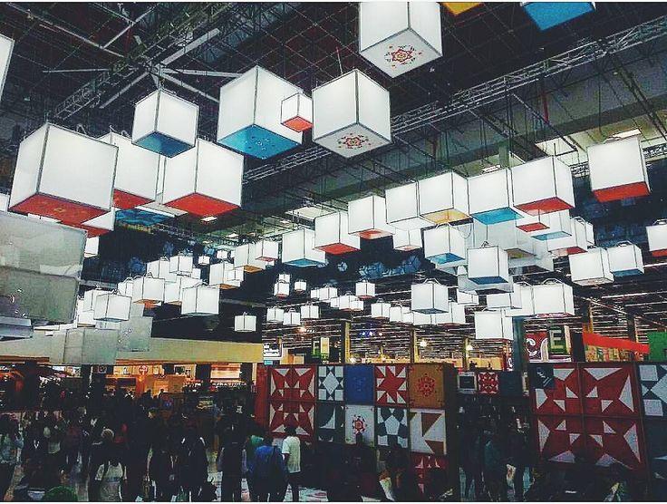Expo Guadalajara  siempre mágico  En colaboración con @pabliniarmas (Pablo Armas)  #Guadalajara #Jalisco #enguadalajara #gdl #gdlmx  #igersguadalajara #igersmexico #megustagdl #mextagram #mexicanblogger #mexicoandando #icu_mexico #loves_mexico #creativosmx #structures #minimalism #libros #leer #bookporn #bookstagram #light #vscogdl #vscocam #wanderlust #neverstopexploring #liveauthentic