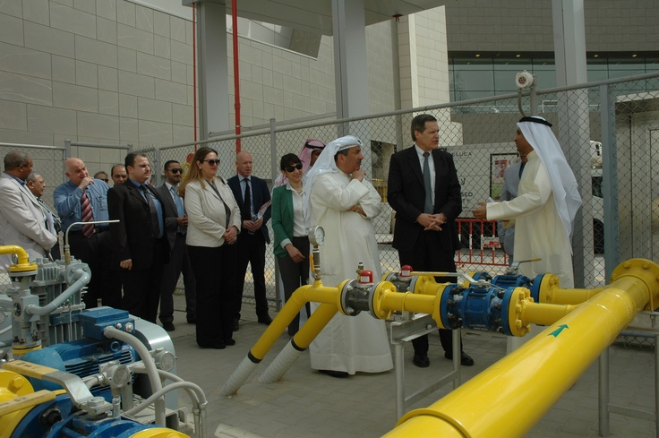 @GreenFlame: His Highness Ambassador Matthew H. Tueller visit to The Avenues Mall for the first gas storage & piping network in Kuwait