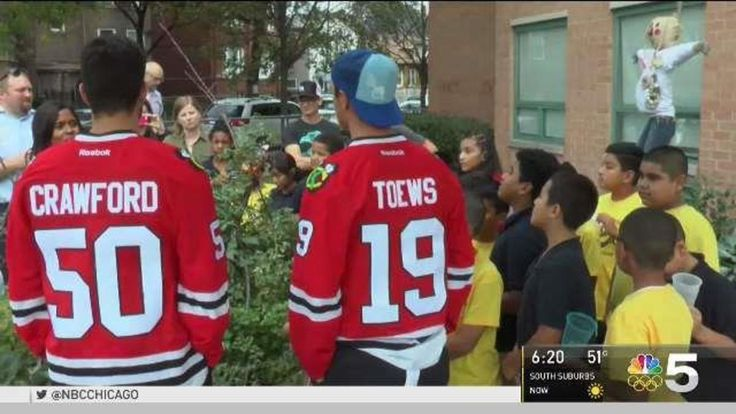 The Chicago Blackhawks kicked off a new youth volunteer project that will pair teens with one of the team's star players. the program will let kids register in groups to do things like clean up their neighborhood or make cards for hospital patents. The group with the most volunteer hours will be invited to do a special project with a Blackhawks player. Some groups will also win prizes.