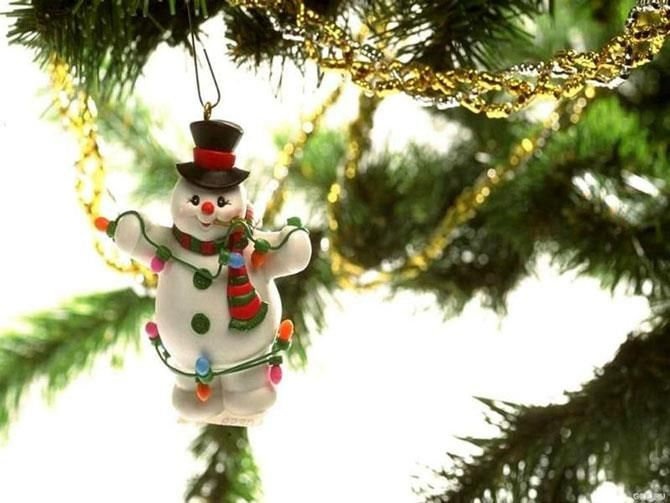 """He who has not Christmas in his heart will never find it under a tree.""    ~~ Roy L. Smith"