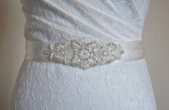 Pearl bridal belt, bling wedding belt, Wedding dress belt, embellished belt, diamante sash, bridal belt, crystal and pearl, embellishments