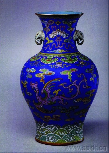 LOVE this blue ~ stunning! Porcelain china pottery.
