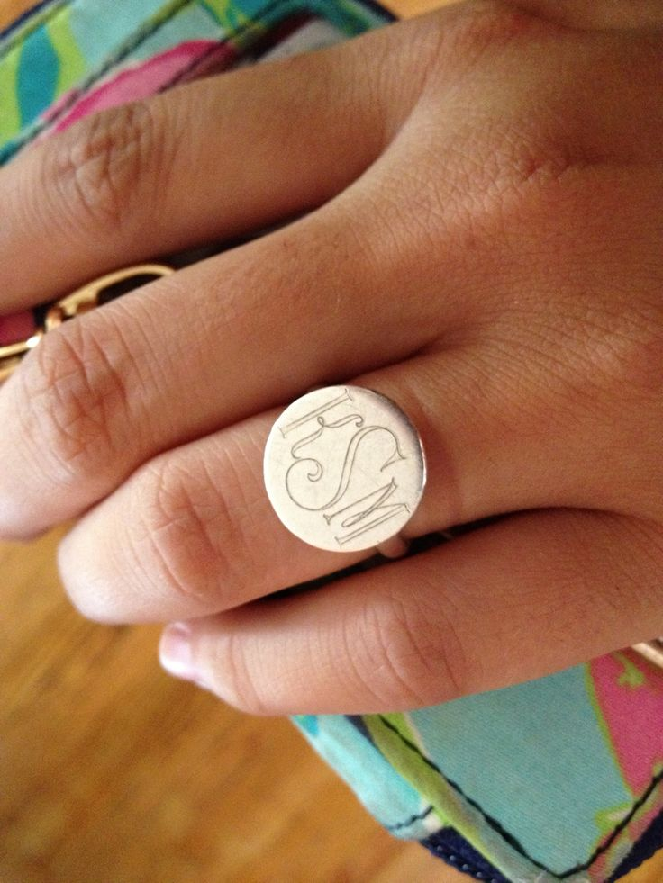 : Gifts Ideas, Christmas Presents, Monograms Jewelry, Initials Rings, Rings Fingers, Silver Rings, Christmas Ideas, Signet Rings, Monograms Rings