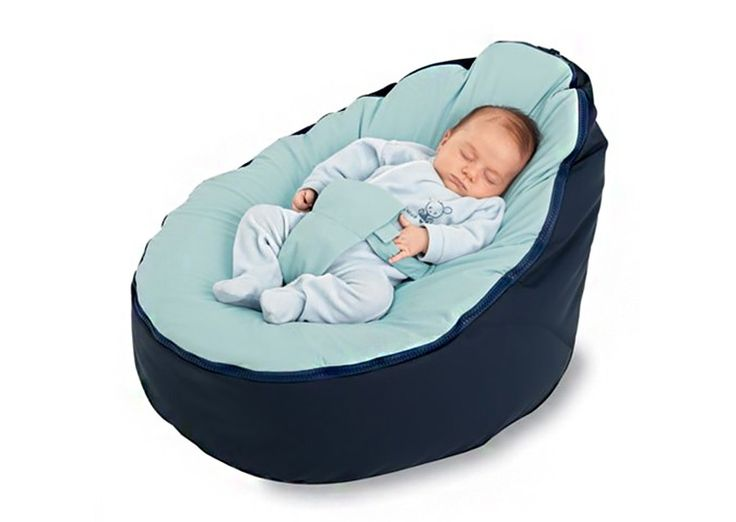 This innovative little bean bag for babies not only fills in around them for maximum comfort and support, it also helps prevent the development of a flat head while relieving acid reflux and gas as well.