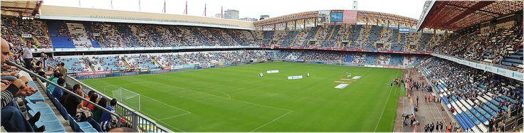 Estadio de Riazor - El Estadio Municipal de Riazor es un estadio de fútbol, situado en la ciudad española de La Coruña. Es de propiedad municipal y sirve de sede habitual al Real Club Deportivo de La Coruña