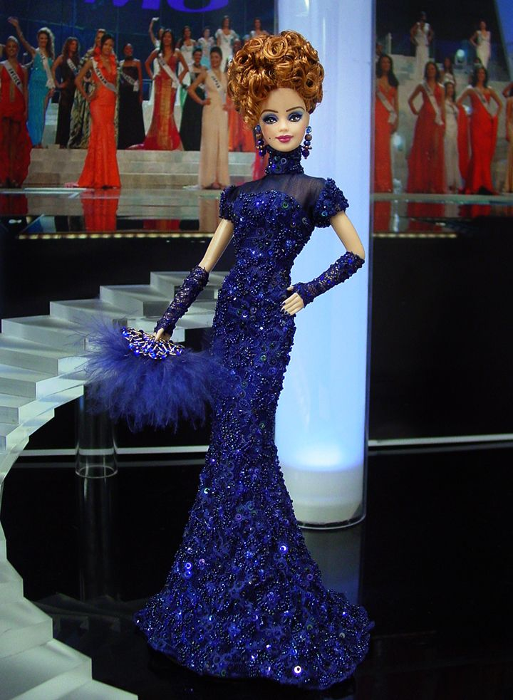 vestido de barbie com pedrarias  http://www.beadshop.com.br/?utm_source=pinterest&utm_medium=pint&partner=pin13 Miss Kaliningrad 2013/14