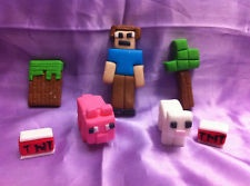 edible-fondant Minecraft inspired cake topper