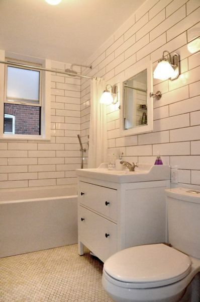 White extra long subway tile sleek clean modern bathroom for Bathroom design montreal