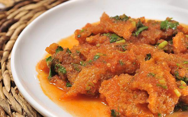 Chicharrón en salsa de chile morita - Cocina Vital