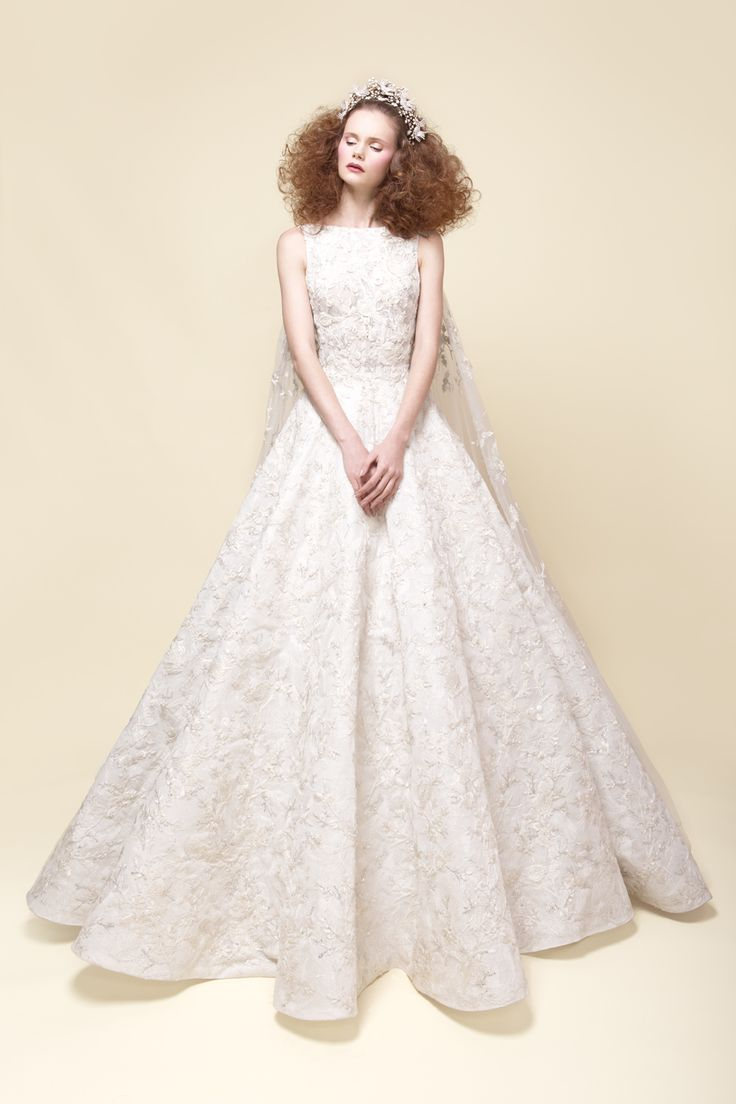SS16-14 Hand embroidered French Chantilly lace wedding gown with incrusted veil