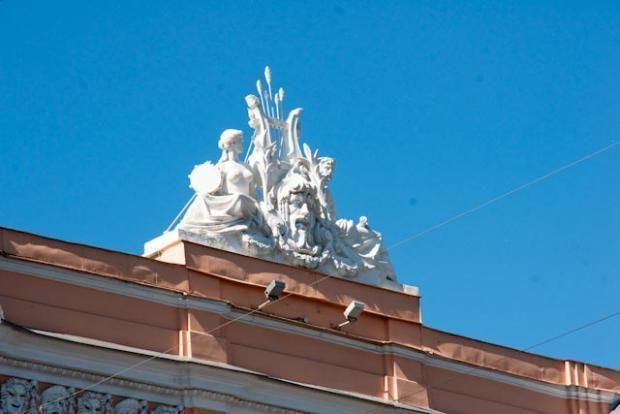 Cirque Bolshoï - 3 Quai de la Fontanka - Saint Petersbourg - Construit de 1876 à 1877 par l'architecte Vassili Quesnel - Reconstruit entre 1959 et 1963 en respectant le plan d'origine - Aujourd'hui Musée du Cirque.