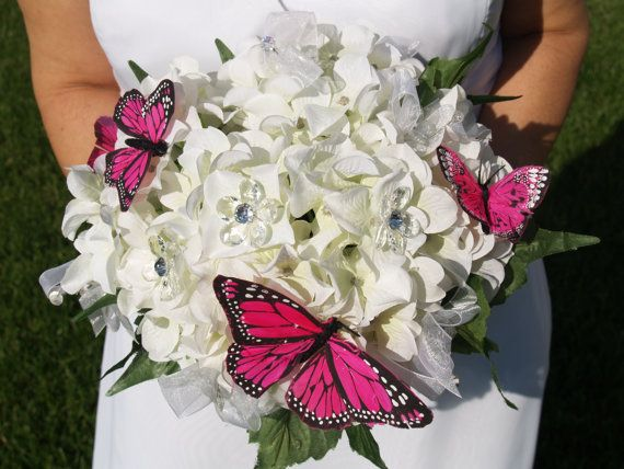 Beautiful! I used butterflies in my homemade bouquet too!