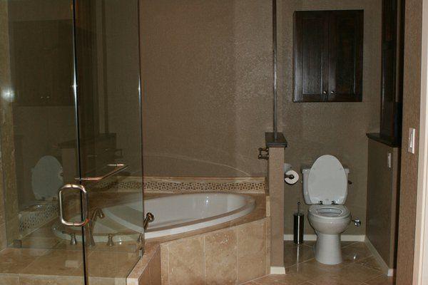 Les 25 meilleures id es de la cat gorie baignoire d angle douche sur pinteres - Cabine de douche petite taille ...