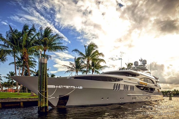 Norwegian Queen - $50000000 super yacht owned by ...
