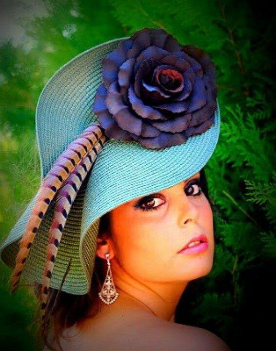 #Tocados y #sombreros en @BijouPrivee