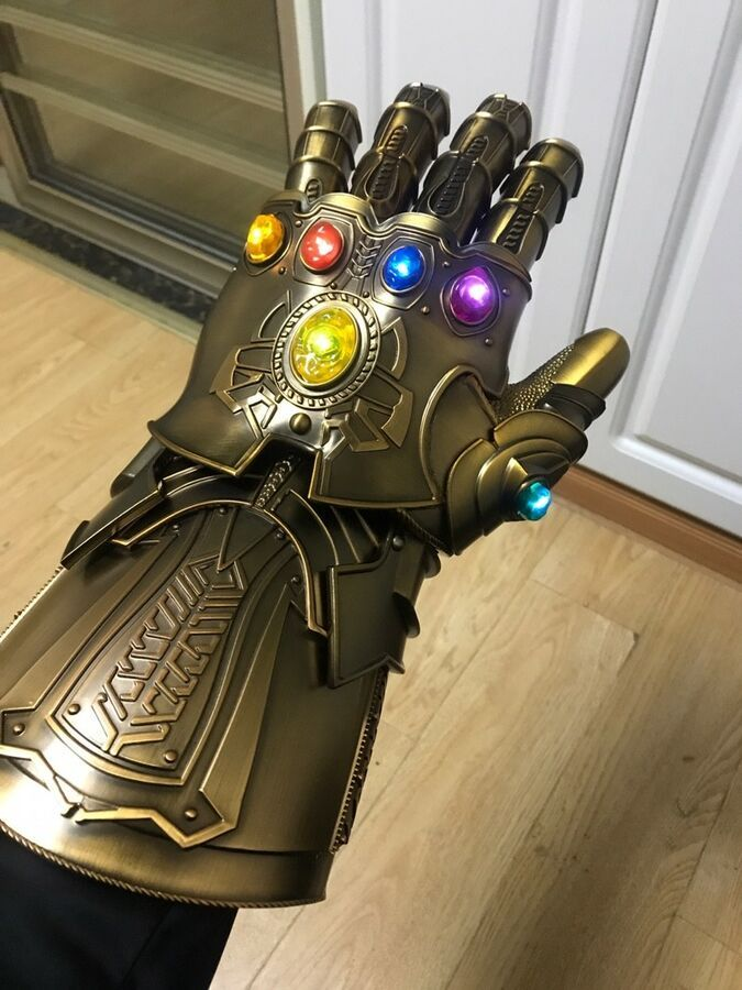 Thanos Infinity Gauntlet Full Metal 1:1 Wearable Cosplay Replica Magnetic LED