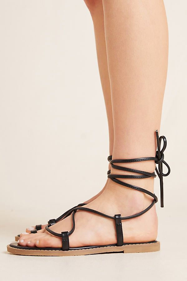 Matiko Eliza Toe Loop Sandals by in Black Size: 40, at