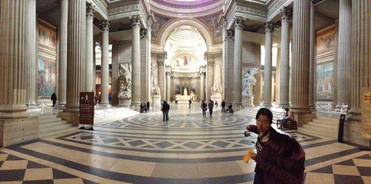 Combinacion de sencillez de la arquitectura gótica con la majestuosidad de la arquitectura griega