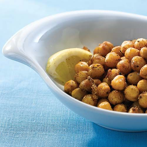 Spicy Roasted Chickpeas - the perfect snack! Clean Eating