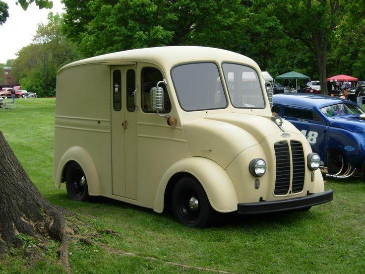 Divco: Flat head 4 cylinder, 1948 Divco Continental