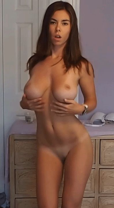 Jenifer aniston nude and showing her pussy