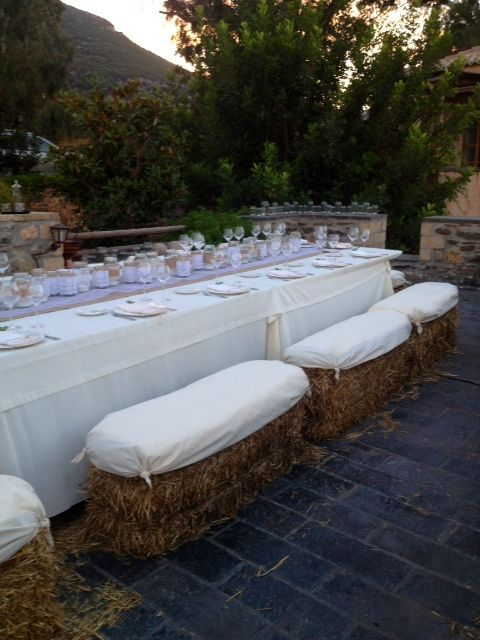 Guests seats....straw bales.