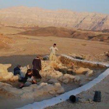 Pandai Besi Zaman Kuno Bukan Budak, Pengrajin Terhormat