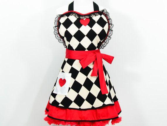 Queen Of Hearts Schürze, Alice im Wunderland, Kostüm, Cosplay, Geek, Nerd, Weihnachtsgeschenk, Pin-up, to Geek chic, Halloween, Halloweenkostüme