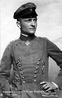 第一次世界大戦で活躍した有名なドイツのエースパイロット。男爵だったため「バロン(男爵)」の異名が付いている。マンフレート・フォン・リヒトホーフェン有名なパイロット