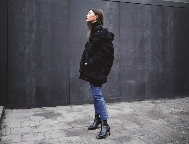 JOHANNA P. PUFFER, H&M TREND, ASOS JEANS, OTHER STORIES ANKLE BOOTS.