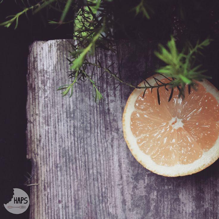 Drop of lemon juce in june. / Odrobina cytryny w czerwcowe popołudnie.