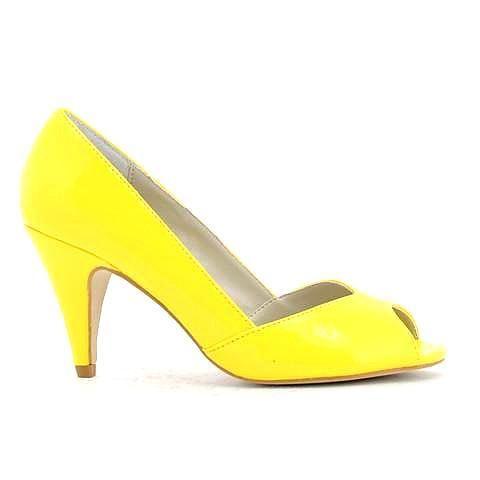 LOLA heel in yellow. #mybetsonBetts #BettsRaceDayReady #BettsShoes #shoes #heels