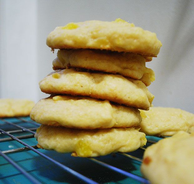 ROSA MADE PINEAPPLE COOKIES. SHE DID NOT ICE THEM BUT WE DID W/PINEAPPLE JUICE POWDERED SUGAR GLAZE.Pineapple Cookies