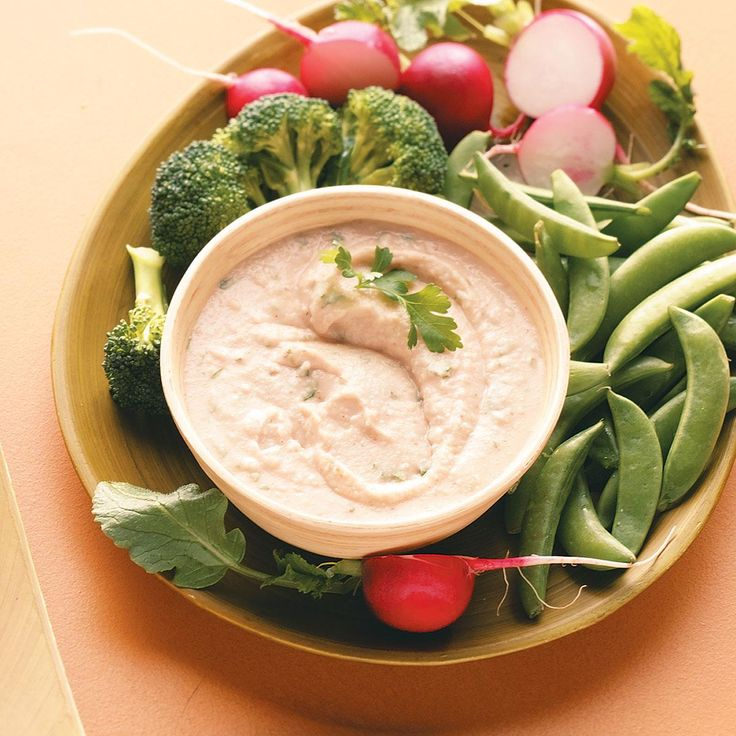 Garlic White Bean Dip Recipe -Great with fresh veggies or as a sandwich spread, this dip brings a touch of sophistication and loads of flavor to any meal. —Sarah Klier, Grand Rapids, Michigan