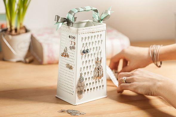 #tchibo #tchibopolska #moda #biżuteria #kolczyki #diy #przechowywanie #dekoracje Zobacz więcej na http://radoscodkrywania.tchibo.pl/7-sposobow-na-kreatywne-przechowywanie-bizuterii