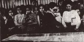 Google Image Result for https://media.zenfs.com/id_ID/News/Merdaka/tangisan-istri-istri-soekarno-melepas-kepergian-sang-arjuna.jpg