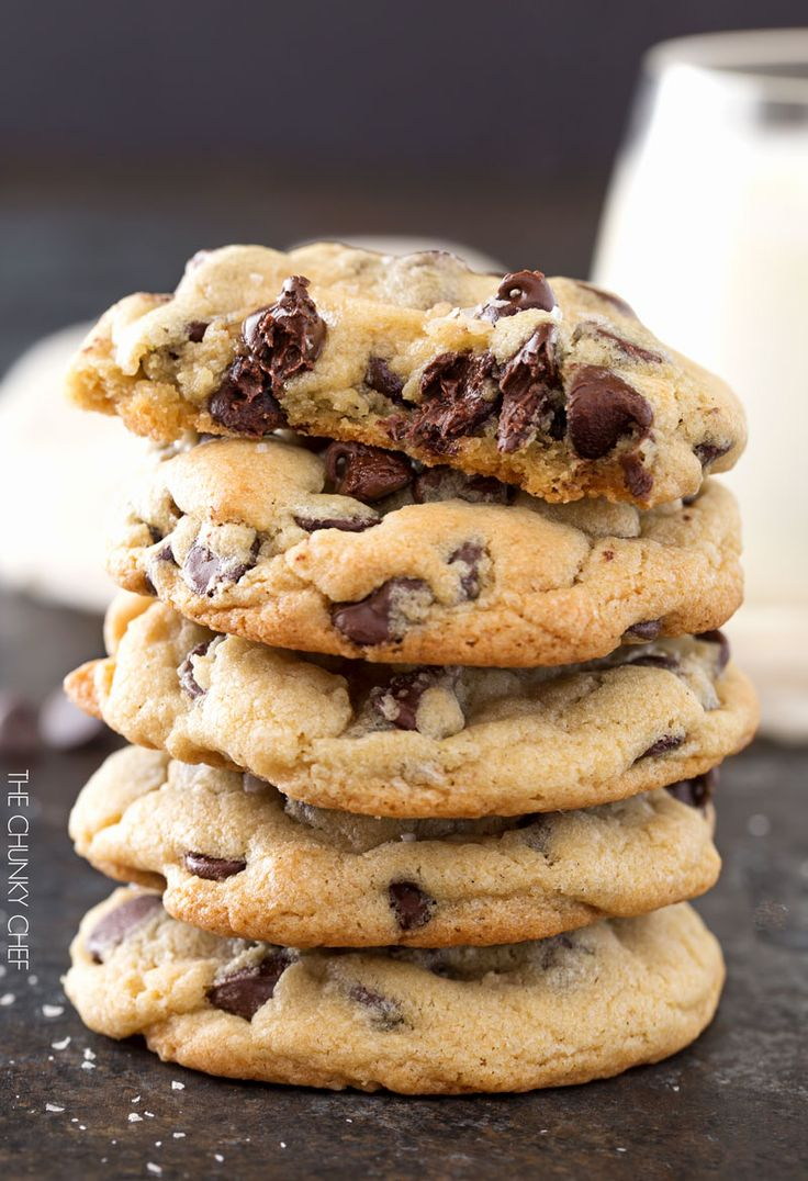 Salted Chocolate Chip Cookies | http://thechunkychef.com