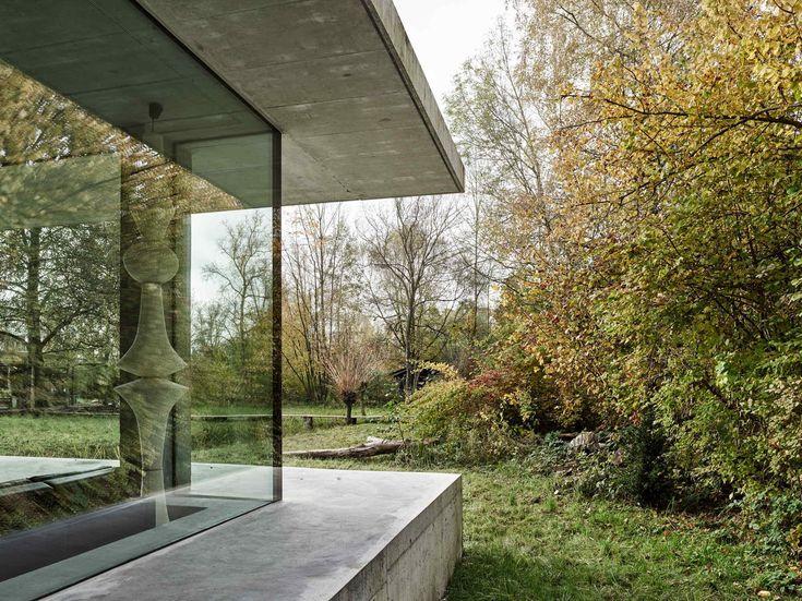 Einfamilienhaus am Bielersee / Sägeraues Passepartout - Architektur und Architekten - News / Meldungen / Nachrichten - BauNetz.de
