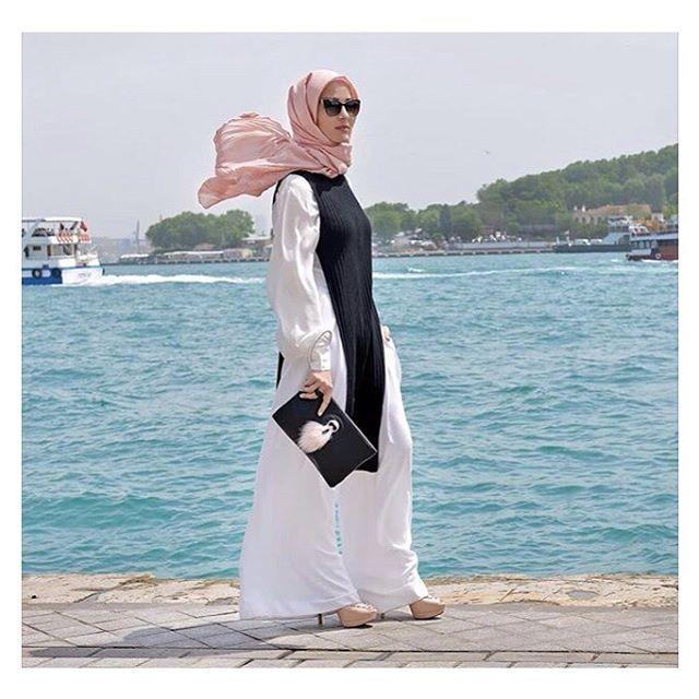 The beautiful @hijabinstylemiami ❤️❤️❤️❤️ #hijabchic #hijab #hijabi #hijabfashion #modesty #model #modest #love #laboutin #womenwant #photooftheday #style #like4like #tagsforlikes #lookbook #hijabstyle #hijabers #tbt #follow4follow #fashion #friends #followme #instagood #instamood #cute #love #hijabfashion #hijabstyle_lookbook #hijabchic