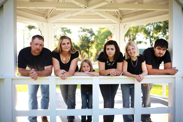 large family photo ideas | 40 Great Ideas for Family Photography | AntsMagazine.Com