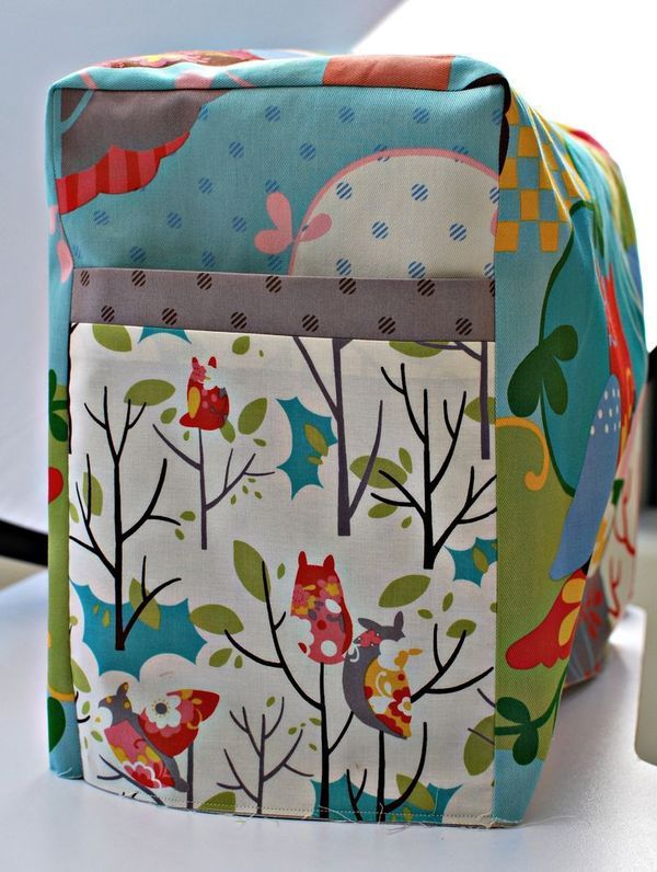 Did you know that a simple sewing machine cover will help your sewing machine live longer? This sewing machine cover tutorial has a formula to cover just about anything needed. Will be great for sewing machine, serger, embroidery machine & more!