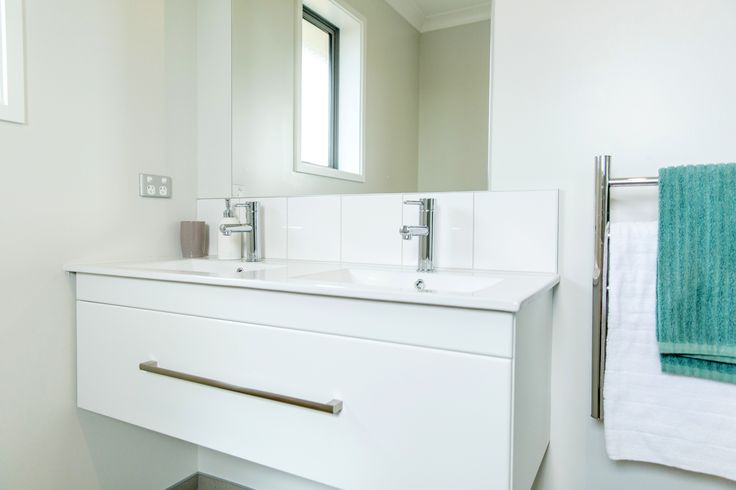 Christchurch home with twin basins