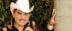 "Mira el nuevo video de Chuy Lizárraga, ""Tu mami"" - http://www.soygrupero.com.mx/2015/06/chuy-lizarraga-tu-mami-video/"