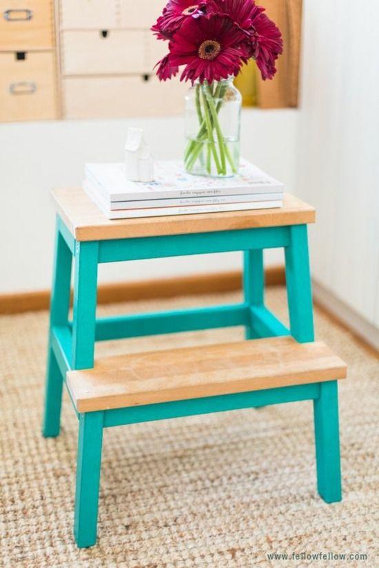 Petite table pour votre chambre, meuble amusant et inhabituel