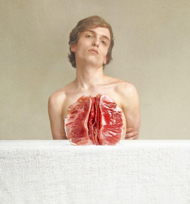 Zelfportretten van een man met grapefruits als longen en hersenen van rode kool | The Creators Project