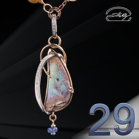 [Ciondolo Opale Australia e Diamanti] -Quando nel 46 a.C. Giulio Cesaredecise di riformare il vecchioCalendario Numano, che si basavasull'anno lunaree aveva solo364 giorni, con l'aiuto di Sos...